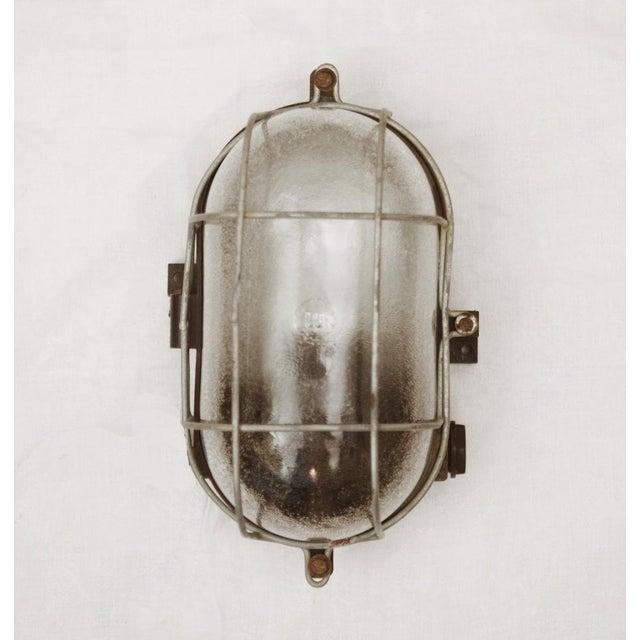 Industrial bakelite wall lamp, 1948 For Sale - Image 6 of 6