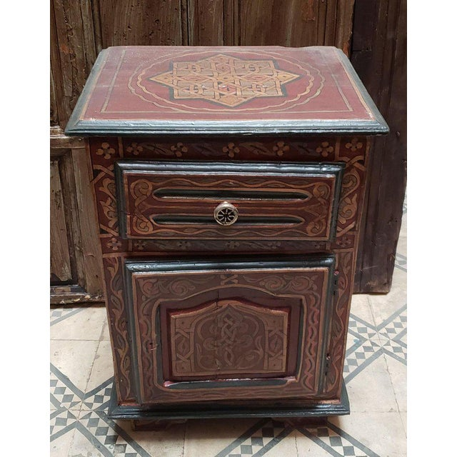 Islamic 1990s Moroccan Hand Painted Wooden Nightstand For Sale - Image 3 of 7