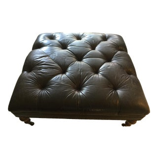 1980s Vintage English Chesterfield Black Leather Square Tufted Ottoman For Sale