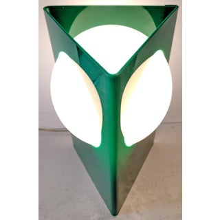 1970s Verner Panton Style, Green Plastic Standing Triangle Table Lamp With Intersecting Shade Preview