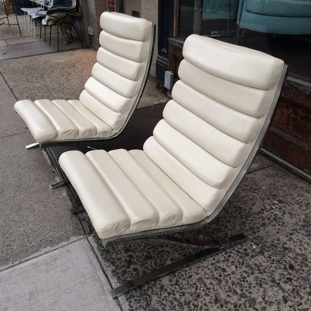 1970s 1970s Vintage Design Institute of America Chrome Cantilever Lounge Chairs- A Pair For Sale - Image 5 of 10