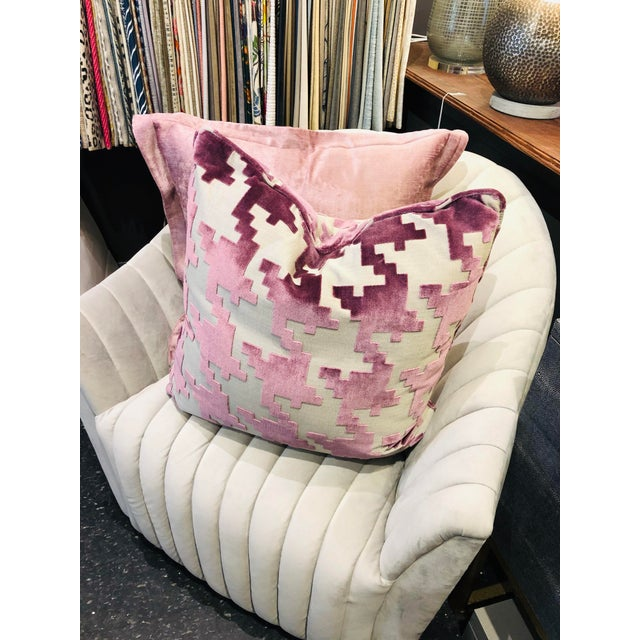 """2010s 21"""" Square Robert Allen Pillow from Kenneth Ludwig Chicago For Sale - Image 5 of 8"""