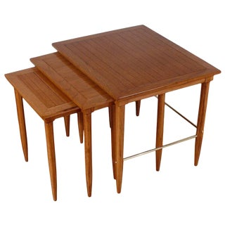 Mid-Century Modern Oak and Brass Nesting Side Tables - Set of 3 For Sale