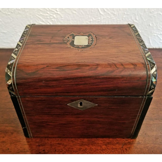 Early 19c Irish Mahogany Single Tea Caddy With Armorial Crest For Sale - Image 10 of 13