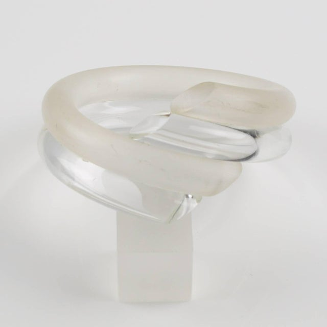 Judith Hendler Crystal Clear and Frosted Lucite Acrylic Coiled Bracelet Bangle For Sale - Image 4 of 6