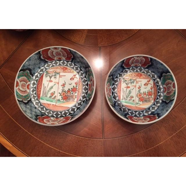 Antique 1835 Japanese Imari Porcelain Colored Bowls - a Pair For Sale - Image 6 of 13