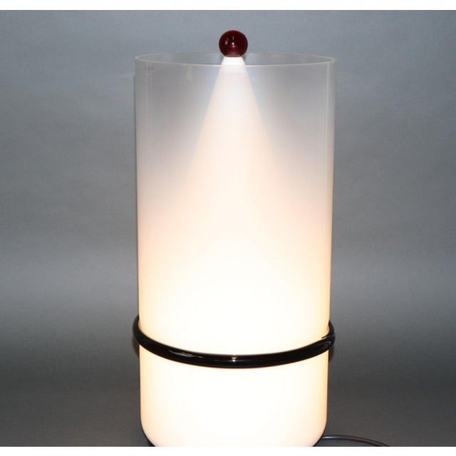 Late 20th Century Mid-Century Modern Murano Glass Table Lamp with Red Accent For Sale - Image 5 of 12
