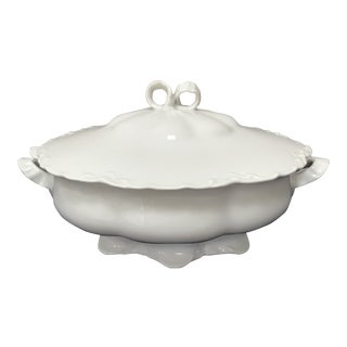 """1900s Antique Haviland Limoges White Scalloped China """"Ranson"""" Vegetable Dish With Lid For Sale"""