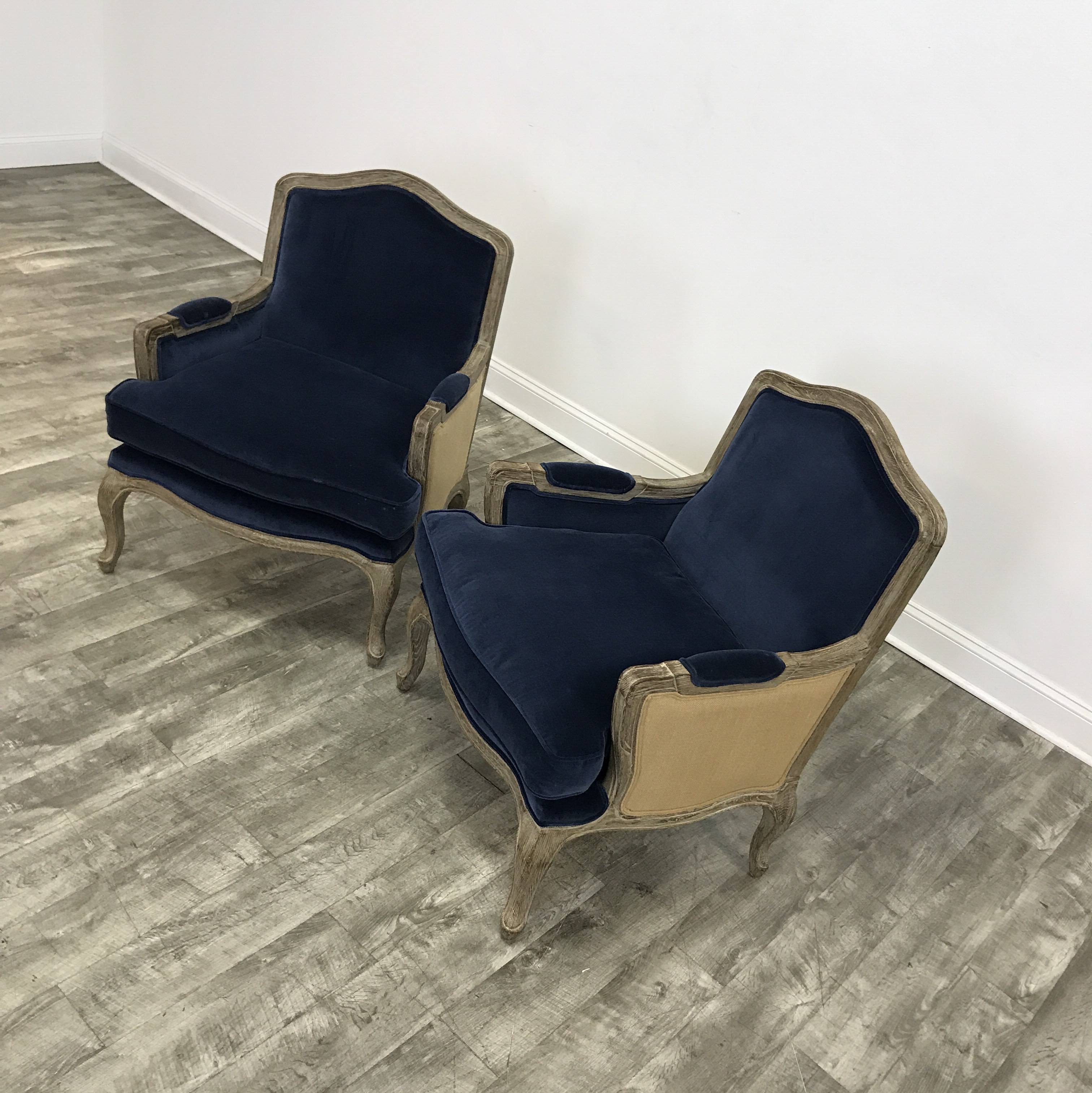 Set Of 2 Navy Velvet Marseilles Chairs By Restoration Hardware In Excellent  Condition.