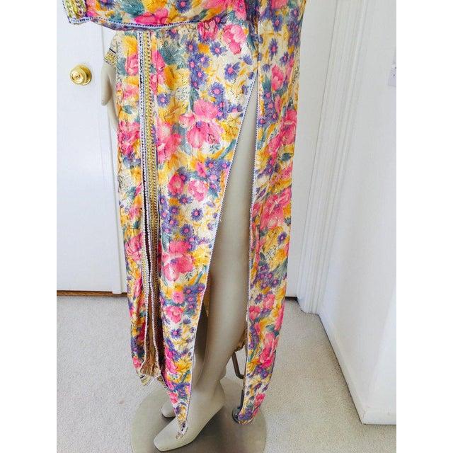 Moroccan Artist Elegant Moroccan Caftan Metallic Floral Silk Brocade For Sale - Image 4 of 13