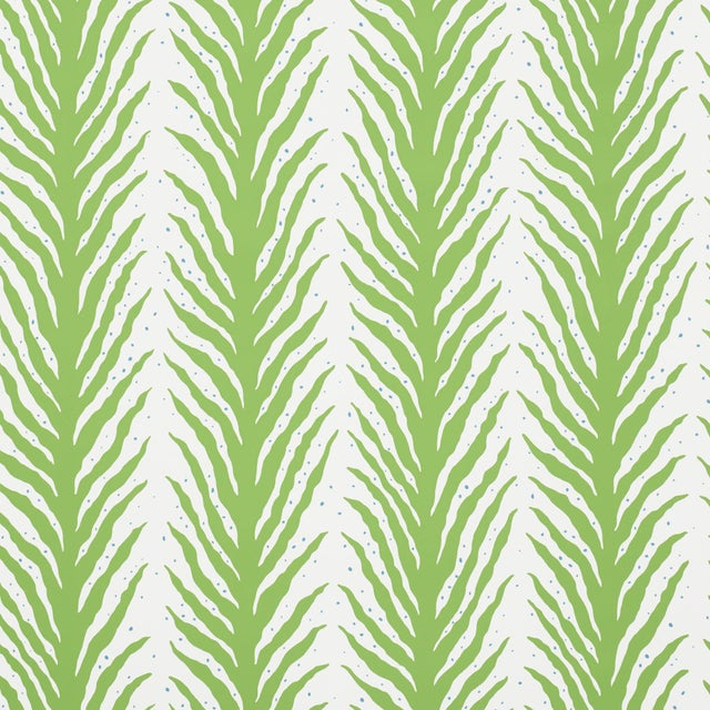 Schumacher Sample - Schumacher X Celerie Kemble Creeping FernWallpaper in Moss For Sale - Image 4 of 4