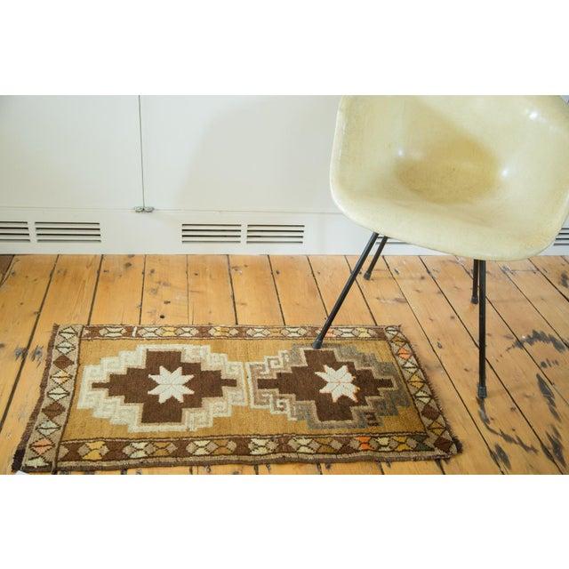 Vintage Oushak Rug Runner - 1′8″ × 3′2″ - Image 3 of 6