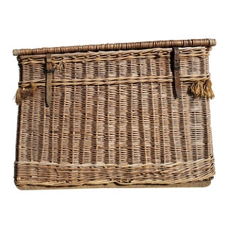 1900s Vintage English Willow Basket For Sale