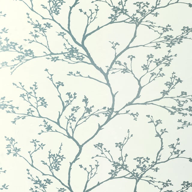 Contemporary Schumacher Twiggy Wallpaper in Silver For Sale - Image 3 of 3