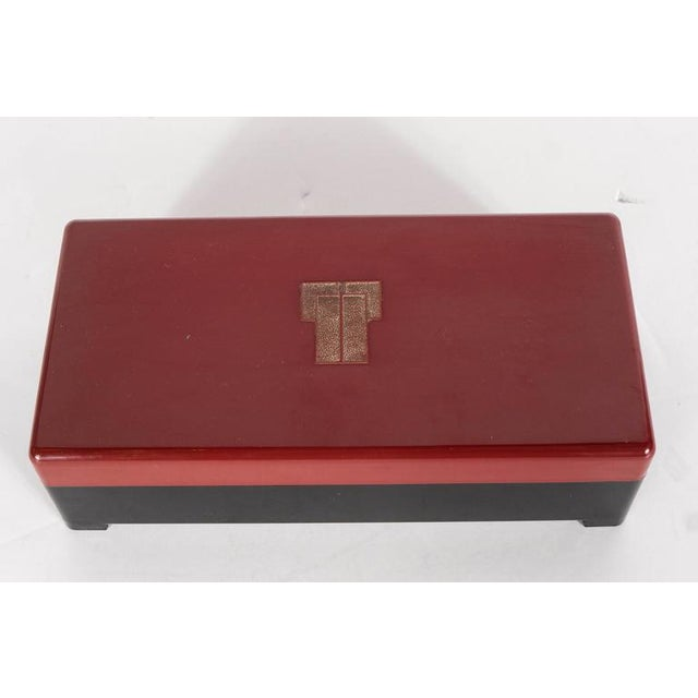 Art Deco Streamlined Art Deco Bakelite Box with Burgundy Top with Cubist Detail For Sale - Image 3 of 7