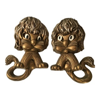 Vintage Syroco Lion Wall Hangings - a Pair For Sale