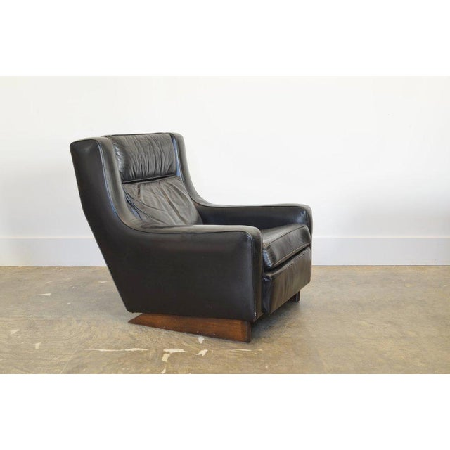 Vintage Black Leather Comfortable XL Lounge Chair For Sale In Phoenix - Image 6 of 6