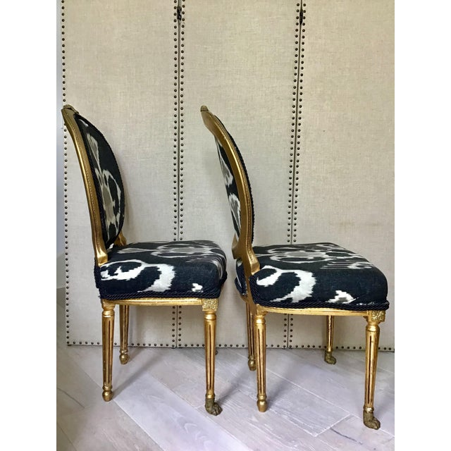 1950s Mid Century Louis XVI Gilt Wood Ikat Chairs- a Pair For Sale - Image 5 of 8