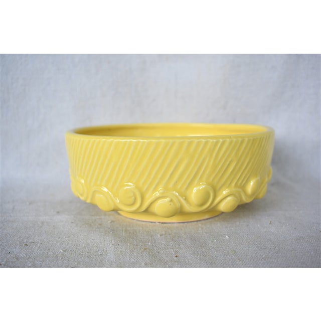 Vintage McCoy yellow wave bowl can be used as a fruit or flower bowl, a cachepot or as an addition to your pottery...