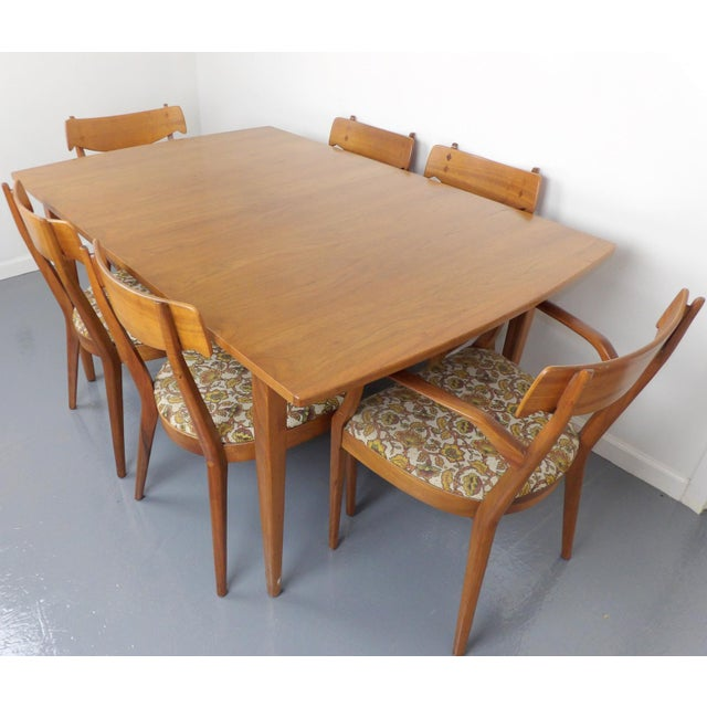 Textile Mid Century Modern Walnut Dining Table, Leaves & 6 Chairs Set Kipp Stewart for Drexel Declaration For Sale - Image 7 of 8