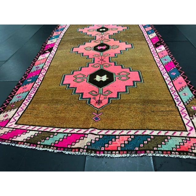 Blue Vintage Turkish Anatolian Pink Geometric Patterned Oushak Area Rug - 4′4″ × 9′10″ For Sale - Image 8 of 11