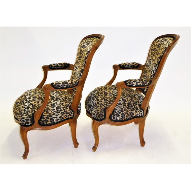 1960s Lovely Pair of Louis XV Style Fauteuils or Chauffeuses by Saridis in Leopard Chenille, 1960s For Sale - Image 5 of 13