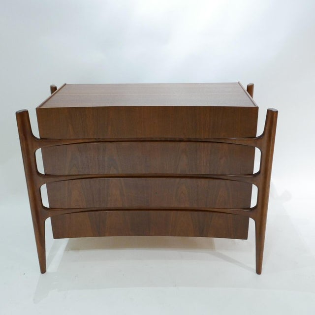 Sculptural William Hinn for Urban Furniture Scandinavian 4 Drawer Walnut Chest For Sale In New York - Image 6 of 11