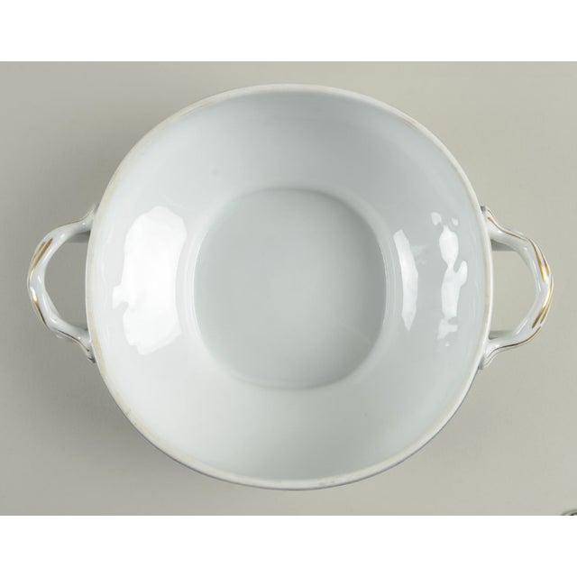 1980s Mottahedeh Indigo Covered Serving Bowl For Sale - Image 5 of 11
