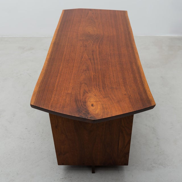 Conoid Cross-Legged Desk in American Walnut and Hickory by George Nakashima, New Hope, 1963 For Sale - Image 10 of 11