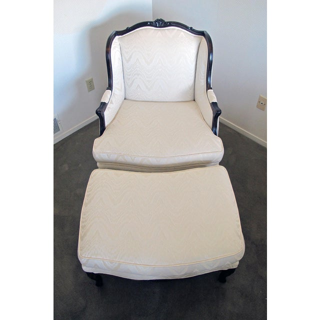 Bergere Chair & Ottoman in Off-White Damask - Image 4 of 6