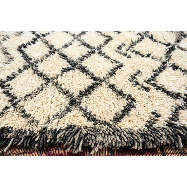 Vintage Midcentury Beni Ouarain Moroccan African Rug For Sale - Image 9 of 10