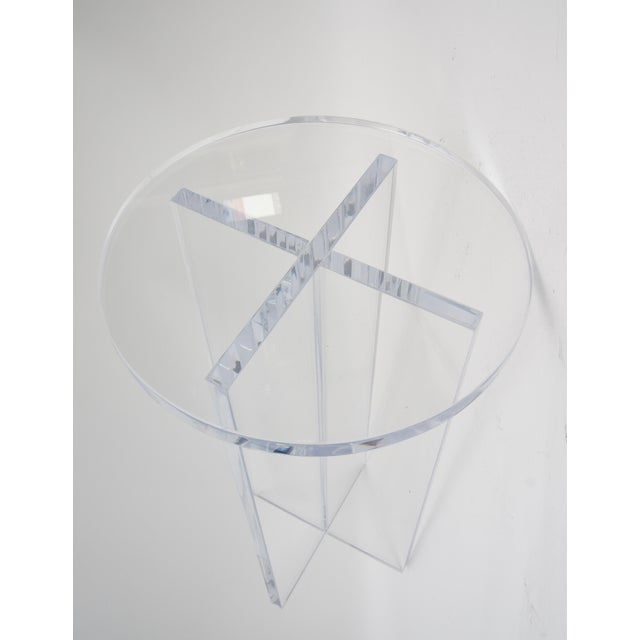 Early 21st Century Bespoke Round Lucite Drinks Table For Sale - Image 5 of 6