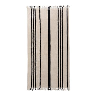 Premium Towel - Vintage Black Stripe with Fringe For Sale