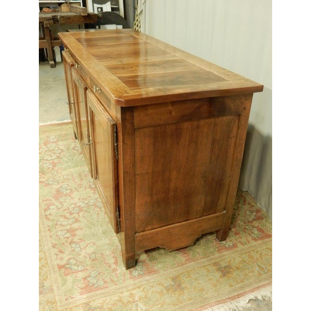 Early 19th French Walnut Enfilade For Sale In New Orleans - Image 6 of 11