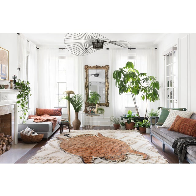 "Contemporary Justina Blakeney X Loloi Rugs Feroz Rug, Tangerine - 4'0""x6'0"" For Sale - Image 3 of 6"