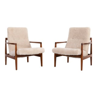 Set of Jens Risom Mid-Century Modern Lounge Chairs Reupholstered in Shearling For Sale