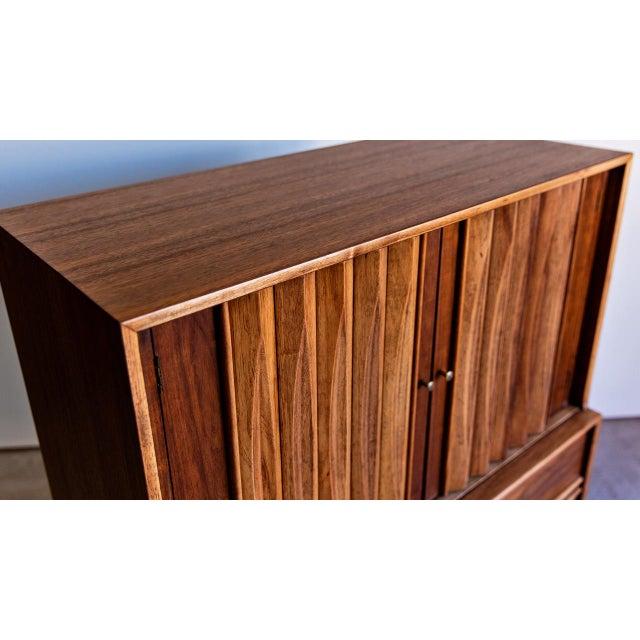 Thomasville 1960s Century Modern Thomasville Highboy Dresser For Sale - Image 4 of 8