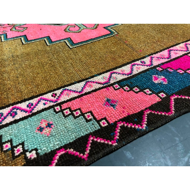 Vintage Turkish Anatolian Pink Geometric Patterned Oushak Area Rug - 4′4″ × 9′10″ For Sale - Image 9 of 11