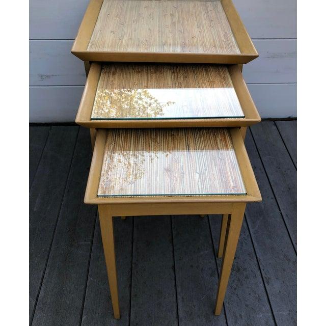 1950s Robsjohn-Gibbings for Widdicomb Stacking Side Tables - Set of 3 For Sale In San Francisco - Image 6 of 12