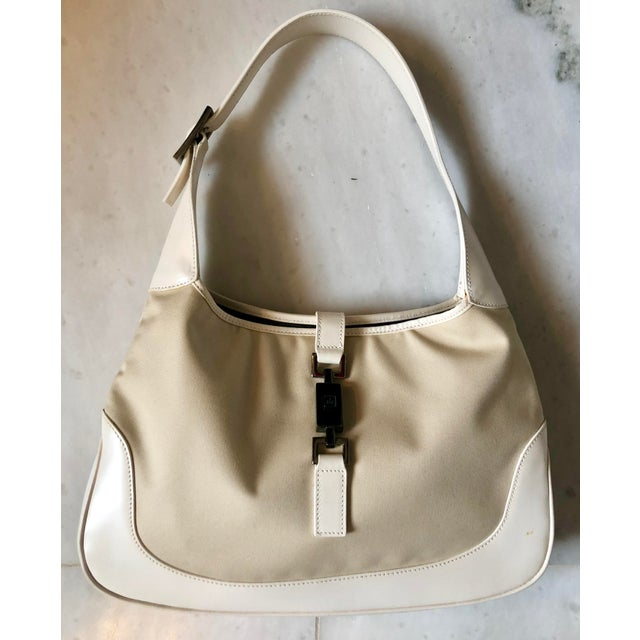 aecf617076cdd8 Modern Gucci Tan Canvas and White Leather Jackie Hobo Bag For Sale - Image  3 of