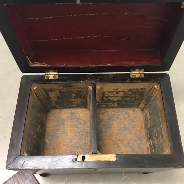 1900s Antique Rosewood Double Caddy Box For Sale - Image 5 of 10