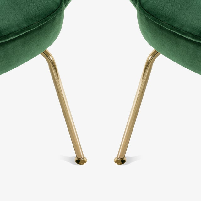Original Vintage Saarinen Executive Arm Chairs Restored in Emerald Velvet, Custom 24k Gold Edition - Set of 6 For Sale In New York - Image 6 of 9