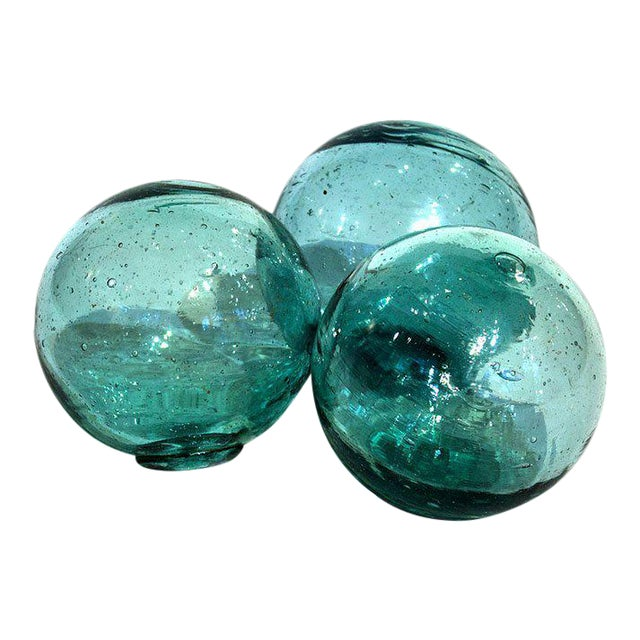 """1950s Set of 100 Japanese Antique Glass Floats 