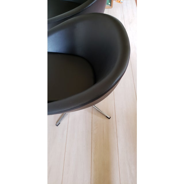 1970s Mid Century Modern Overman Swivel Pod Chairs - a Pair For Sale - Image 9 of 13