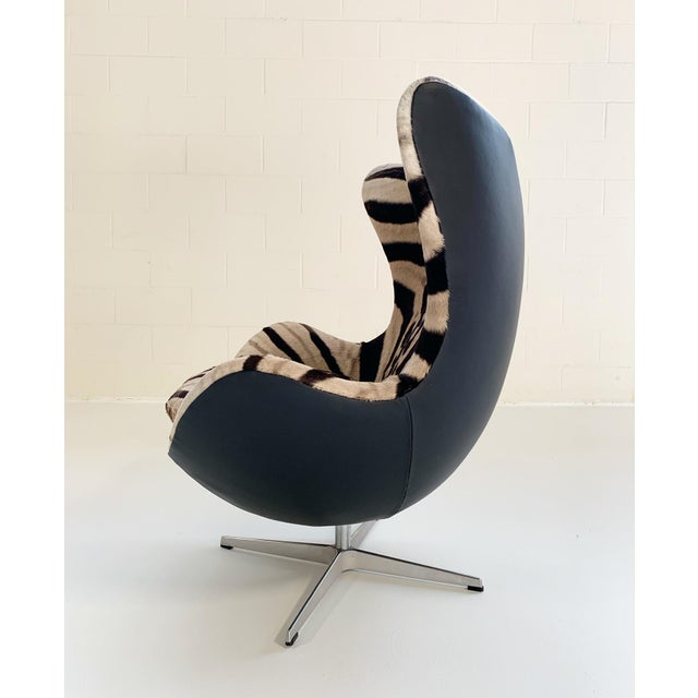 Arne Jacobsen for Fritz Hansen Egg Chair in Zebra Hide and Loro Piana Leather For Sale In Saint Louis - Image 6 of 13