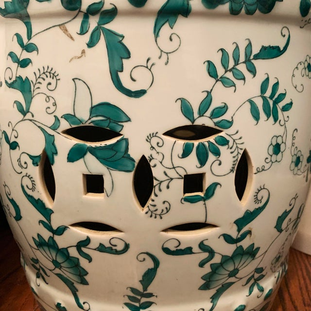 Ceramic Chinese Green and White Porcelain Barrel-Form Garden Stool For Sale - Image 7 of 13