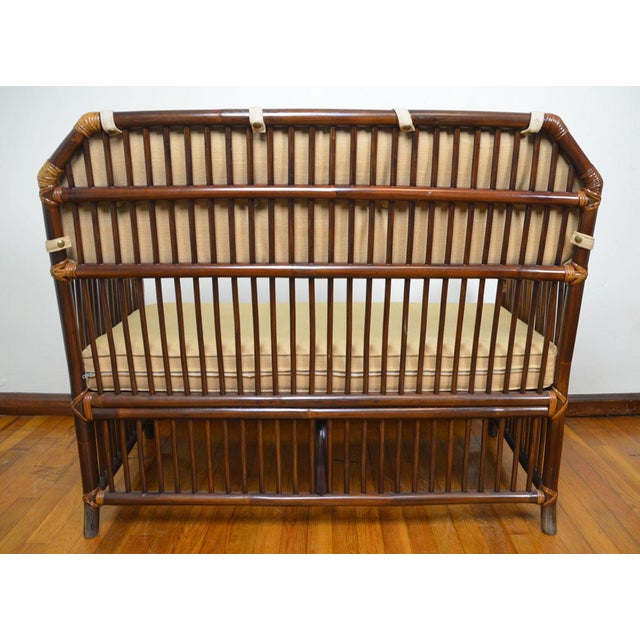 Willow and Reed 1980s Vintage Rattan Settee in the Manner of Willow and Reed For Sale - Image 4 of 13