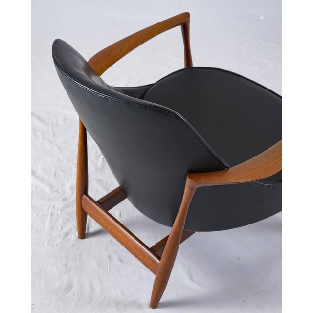 "Ib Kofod-Larsen ""Elizabeth"" Chair For Sale - Image 10 of 10"