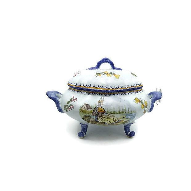 Large Quimper faience large bouillabaisse tureen with underplate (platter). Typical hand-decoration with Breton Fisherman...