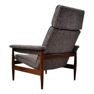 Mid Century Modern Very Comfortable Teak Lounge Chair For Sale